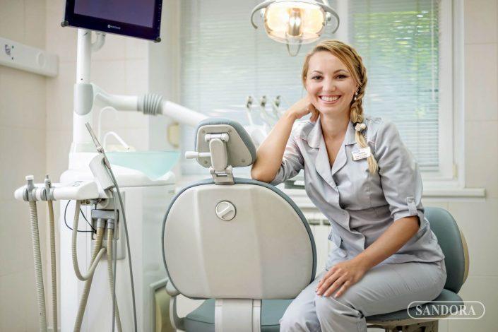стоматолог_Сандора